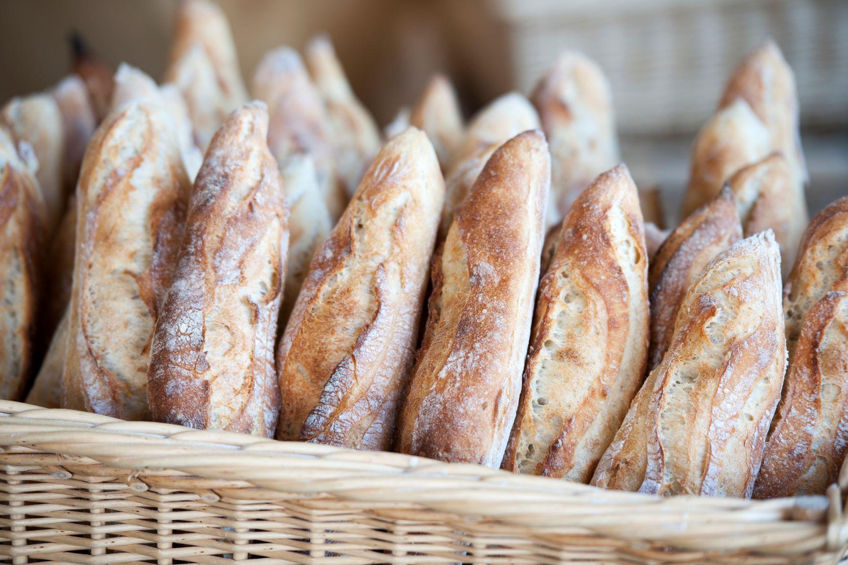 Baguette En Bois Decorative everything you need to know about french bread in 5 minutes