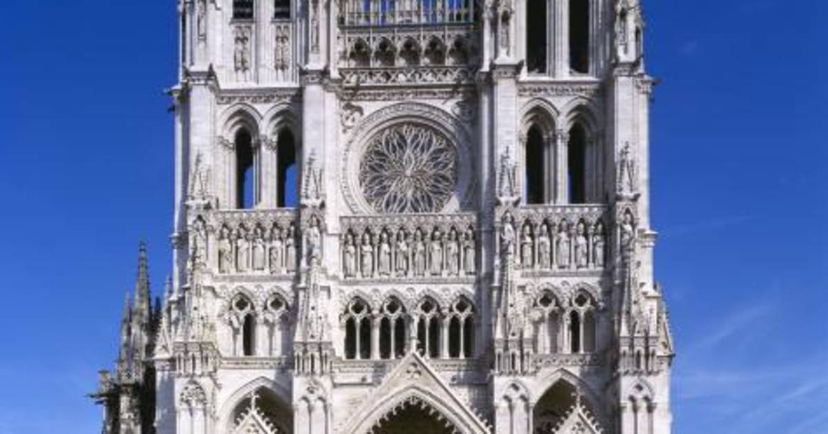 visit the towers of amiens cathedral. Black Bedroom Furniture Sets. Home Design Ideas