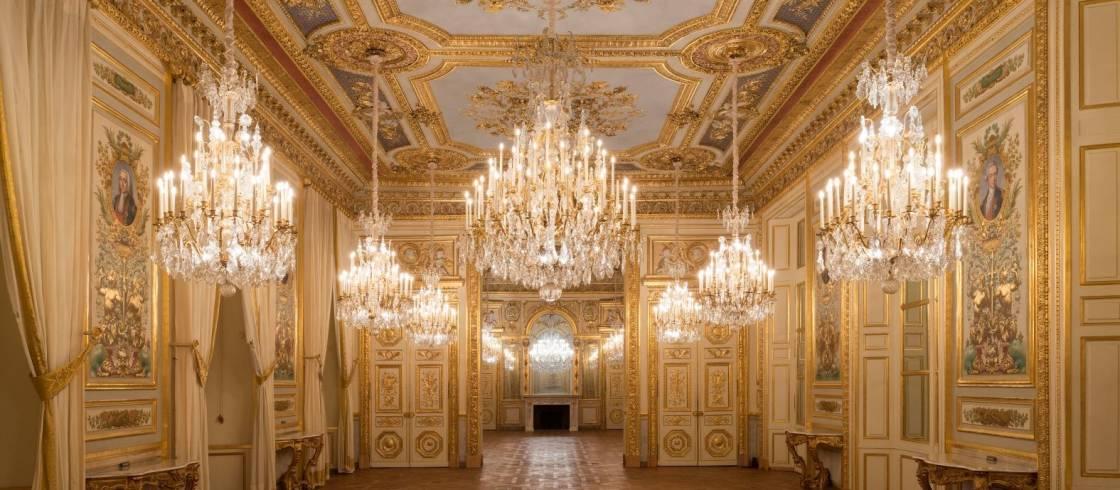 Salón de los almirantes y salón de honor del Palacio de la Marina de París.