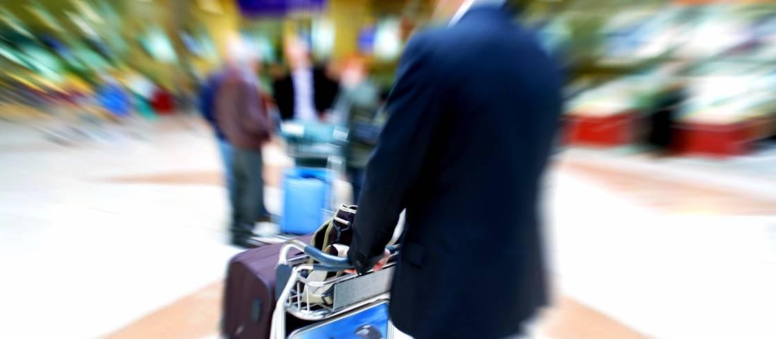 öffentliche Verkehrsmittel Zwischen Flughafen Charles De