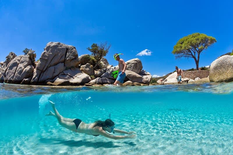 Schnorcheln- und Badeparadies in der Nähe des Strandes von Acciaju auf Korsika