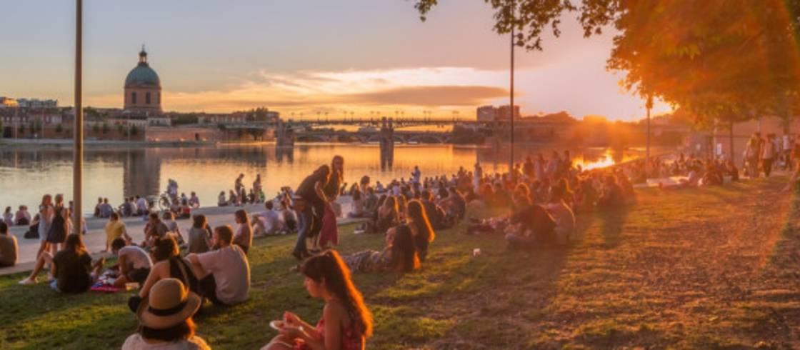 Toulouse és a Garonne-folyó