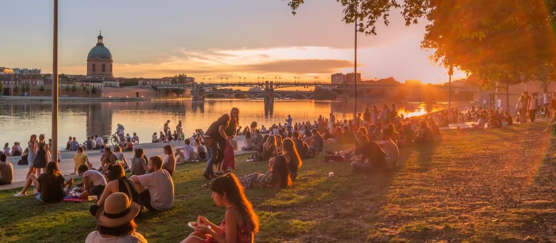 Les quais de Toulouse et sa Garonne