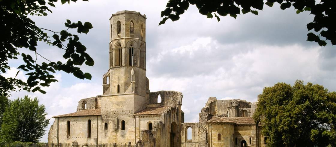 Abadía Sauve-Majeure es un lugar muy apreciado por los peregrinos del Camino de Santiago