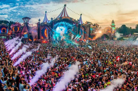 (c)Tomorrowland