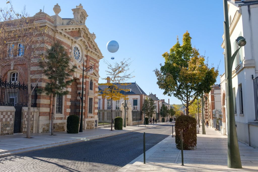 The famous Avenue de Champagne in Epernay  (Copyright OT Epernay)