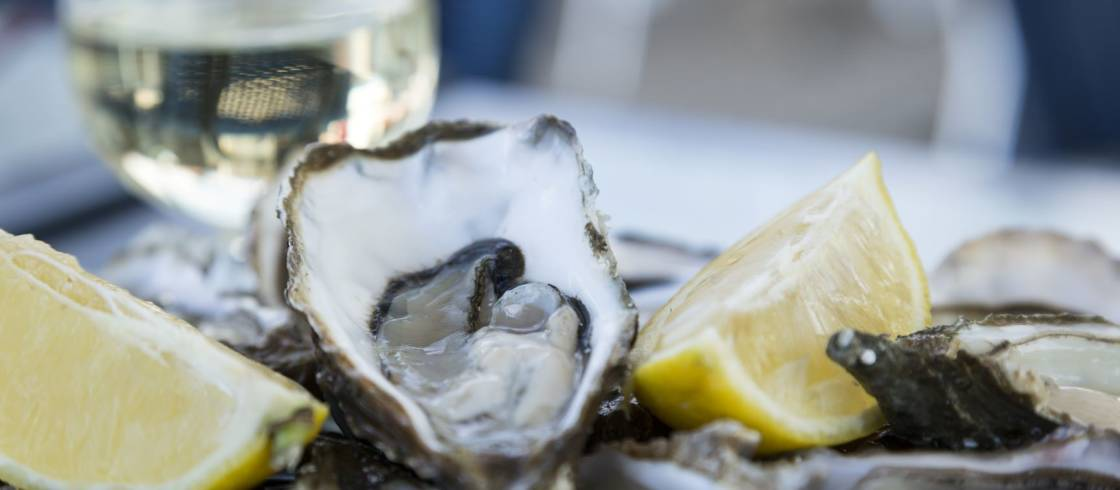 Bretons will tell you, the best way to taste the oysters of Brittany is raw!