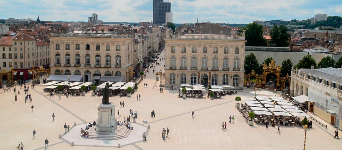 Plaza Stanislas en Nancy, inscrita en el Patrimonio Mundial por la UNESCO .