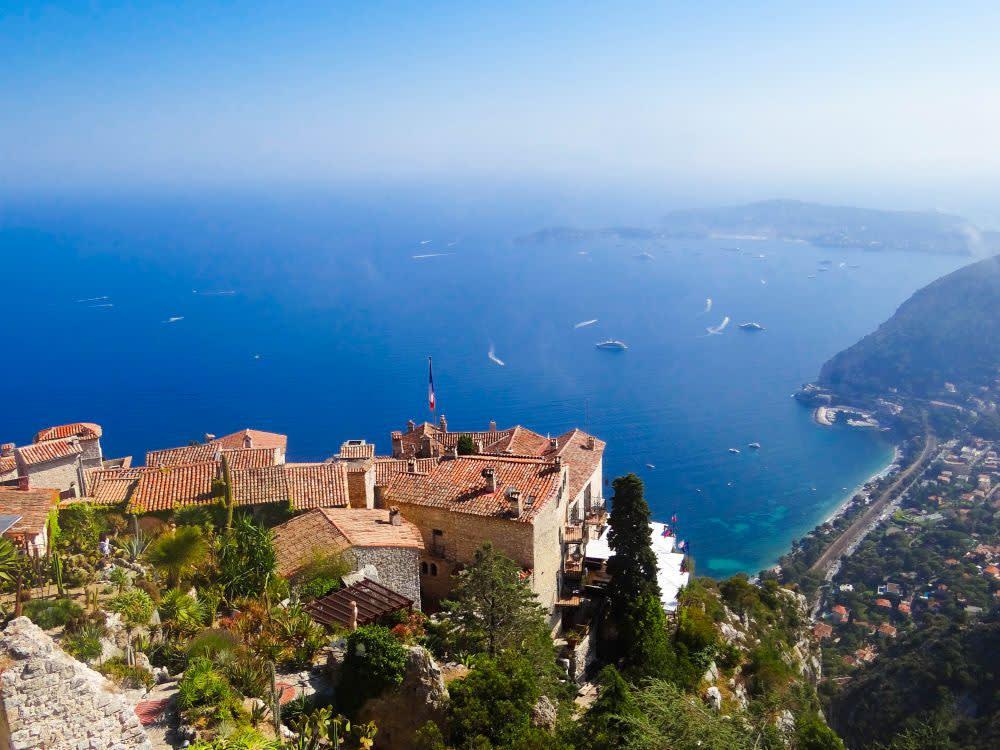 Exotická zahrada v Eze se nachází vysoko nad mořem a je z ní úchvatný výhled