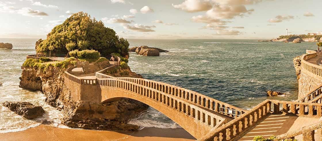 Zeer de moeite waard: de Basta rots in Biarritz