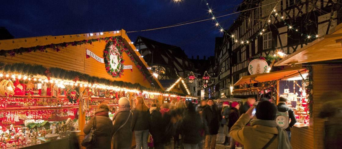 Elzas Kerstmarkt In Straatsburg France Fr