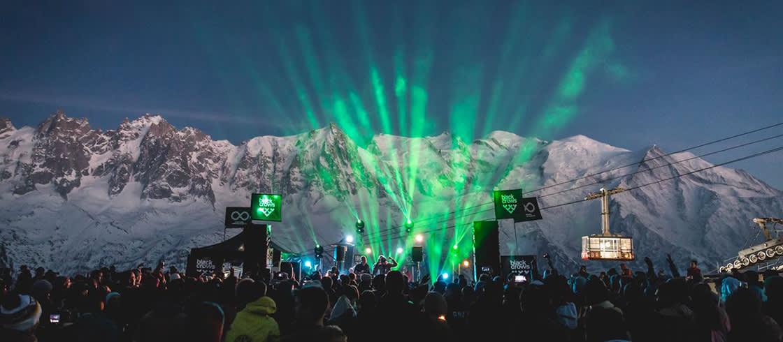 Веселье на фестивале Unlimited Festival на горных склонах в Шамони