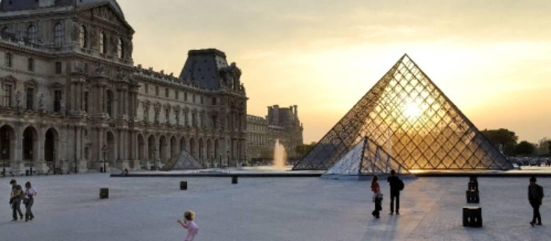 image__header__francia-te-da-cita__louvre-mauricesubervie-02072022jpg