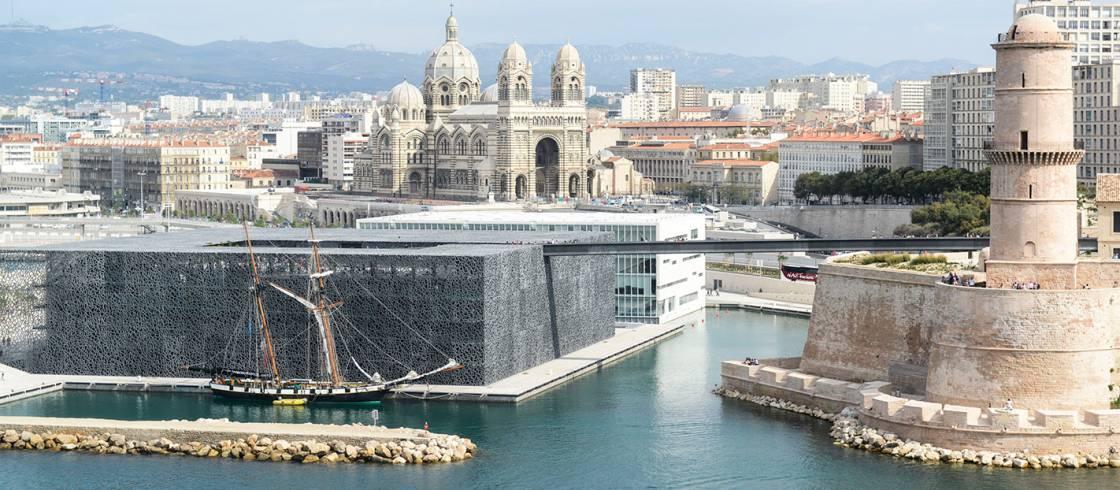 El espectacular edificio del museo MuCEM en Marsella.