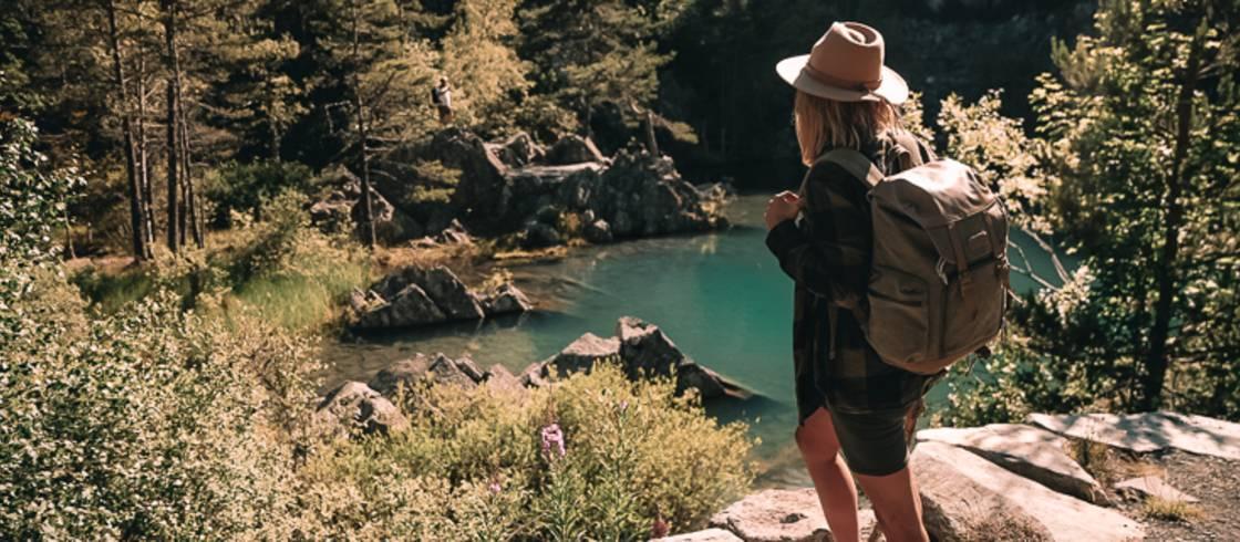 Disfrutando del senderismo y de unas maravillosas vistas.
