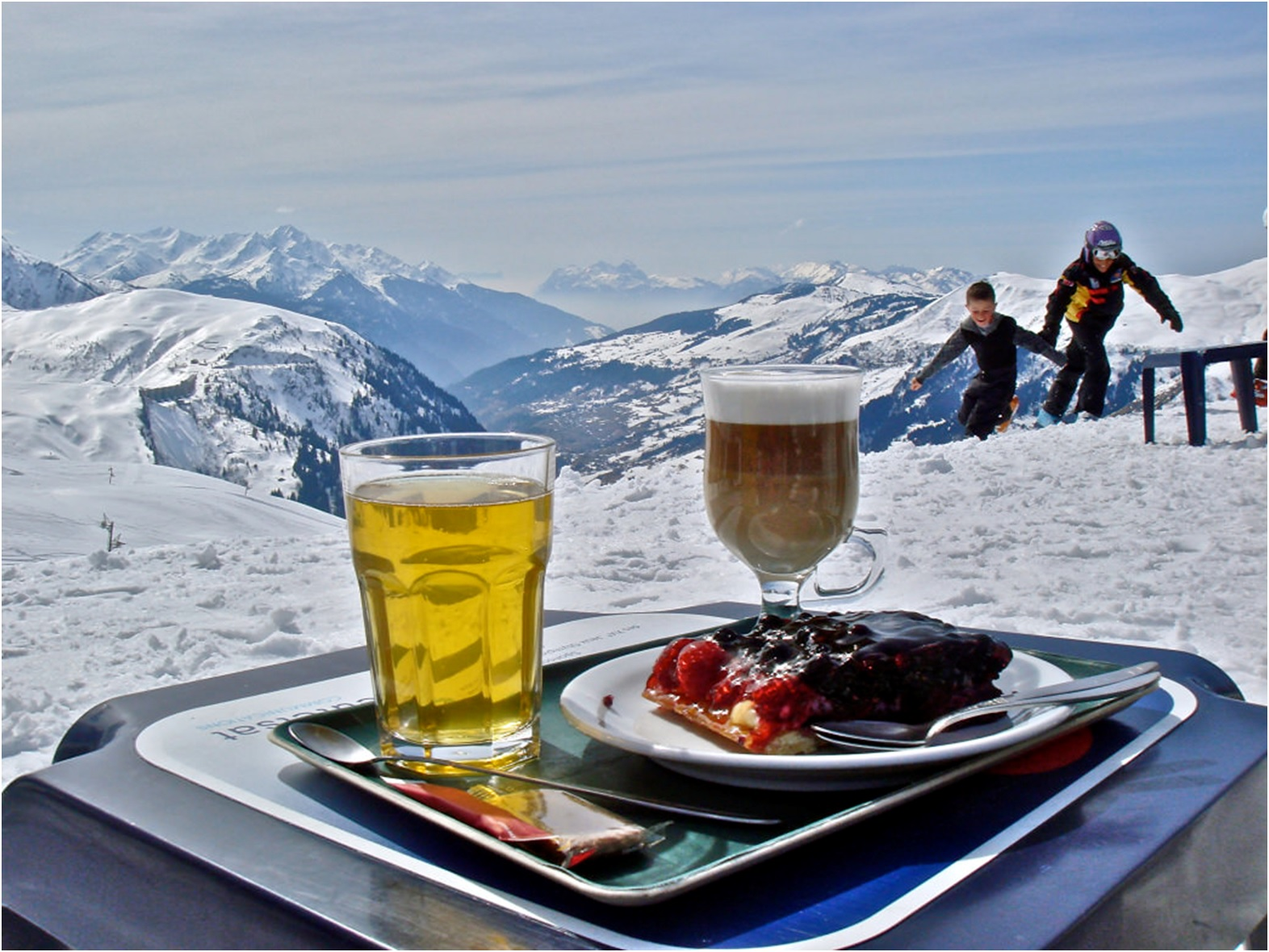image__header__skiing-in-the-french-alps-how-to-actually-make-it-happen__rootsrated2jpg