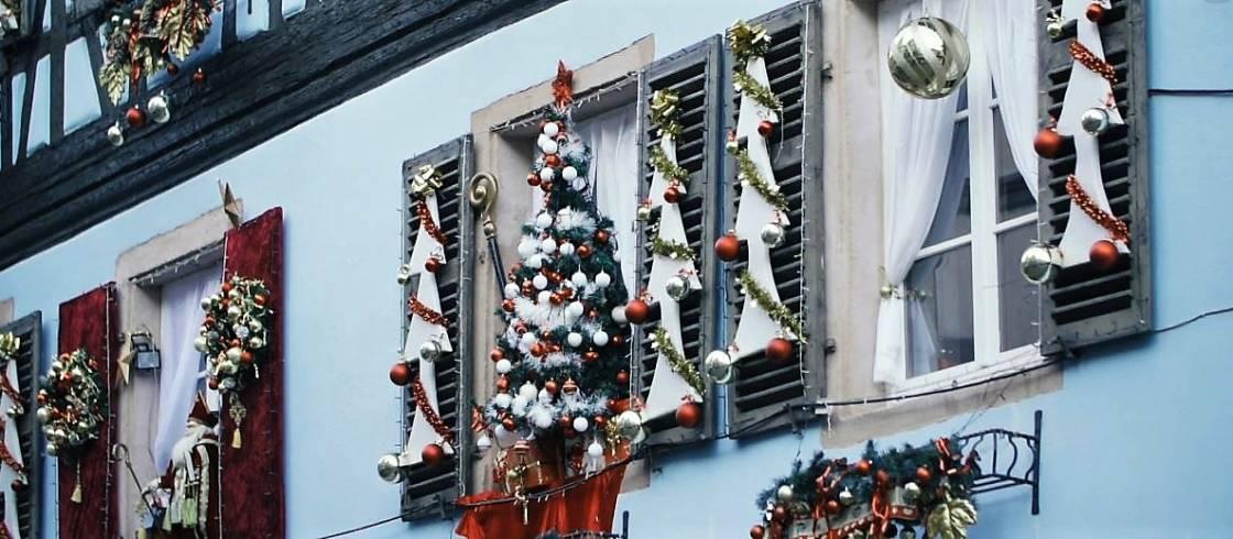 L'Alsace à Noël, un moment magique et de préparatifs intenses pour les habitants de la région.