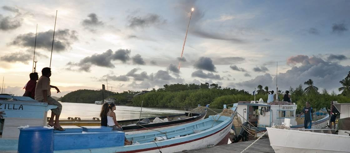 平均して、ロケットはギアナ宇宙センターから毎月1機が打ち上げられます。