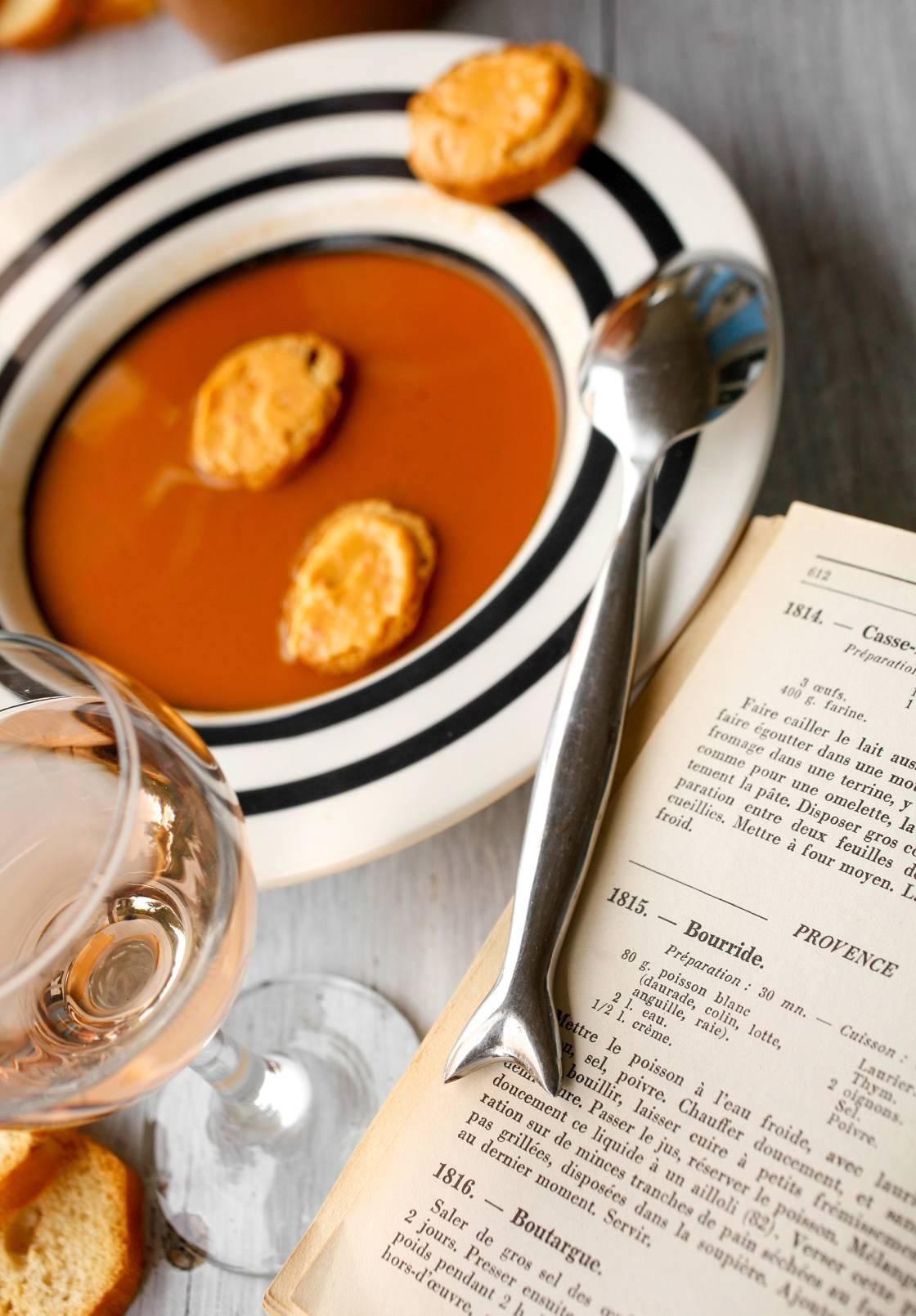 Cuisine Provencale Blanche Et Bleue gastronomy in provence: seafood, the staple of provençal cuisine