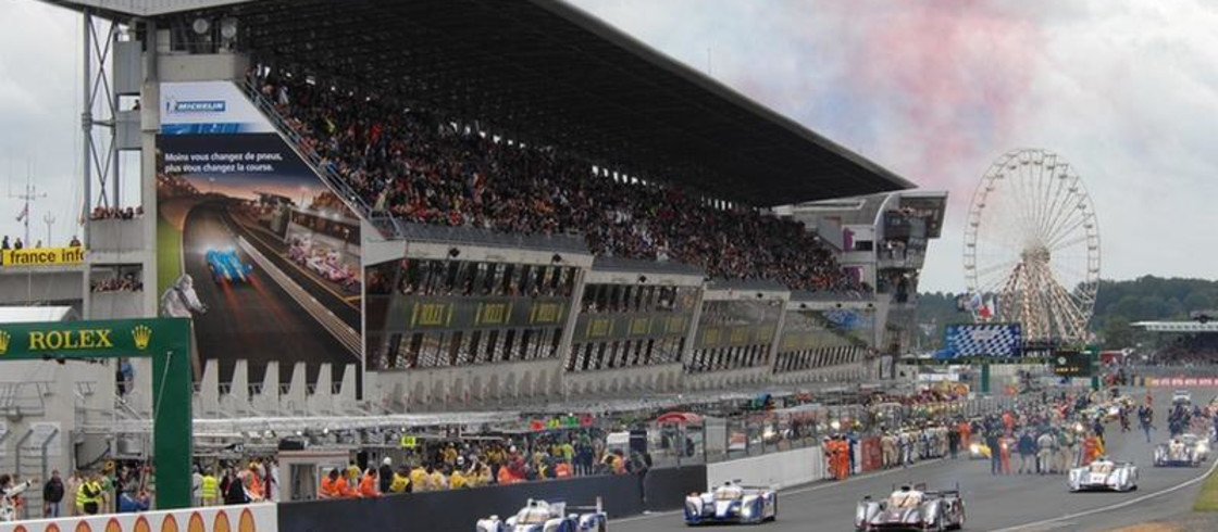 24 hours of le mans for Design piscine le mans