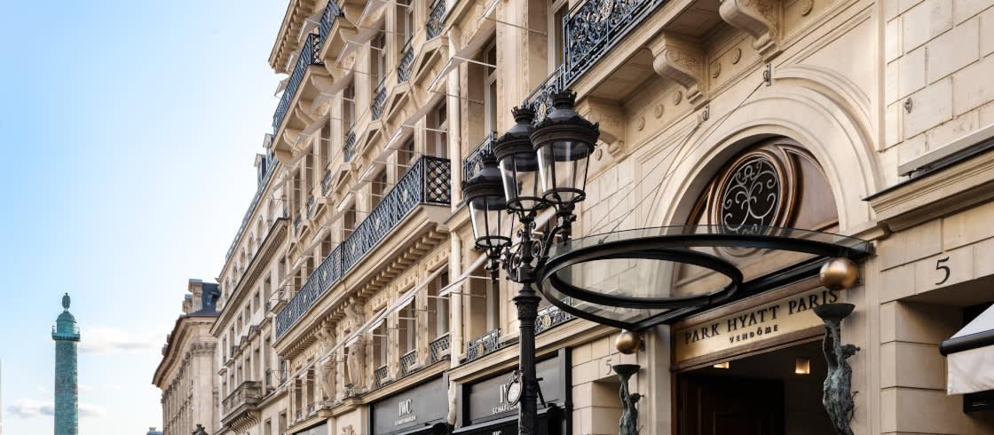 El Palace está situado en la plaza Vendôme, uno de los primeros sitios elegidos por las casas de moda parisinas.
