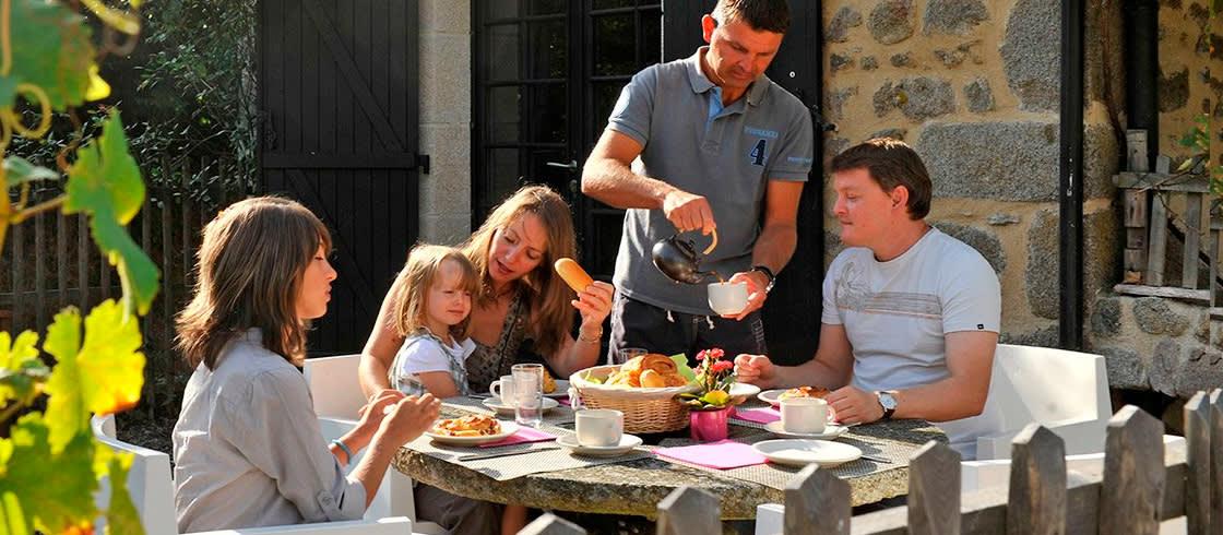 image__header__comer-en-casas-de-franceses-granjas-posadas-y-castillos__ferme-0jpg