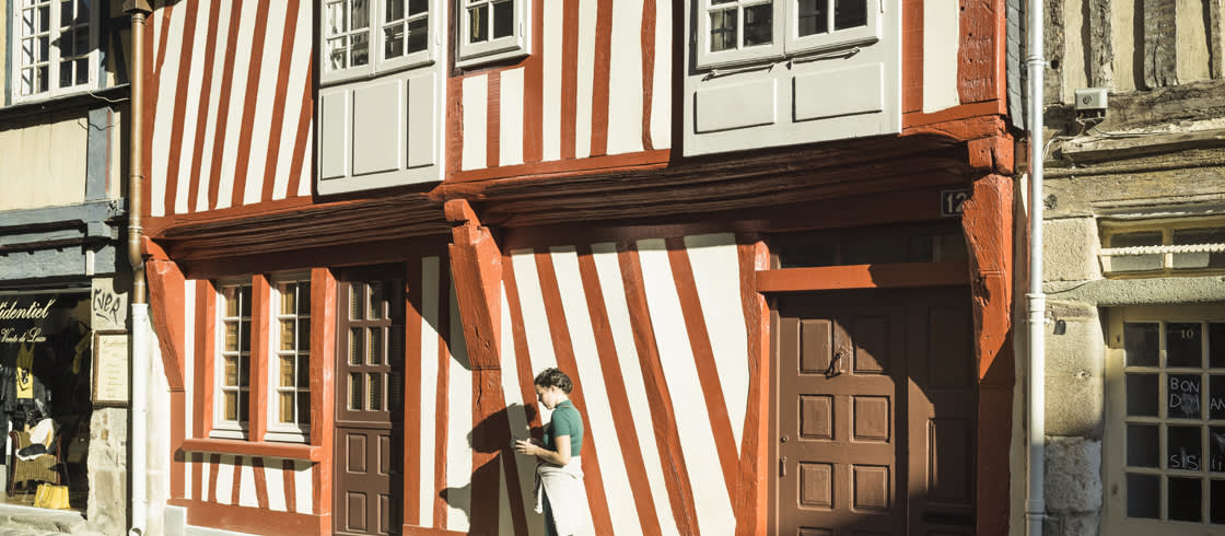 Rennes, Hauptstadt der Bretagne, mit typischen bunten Fachwerkhäusern