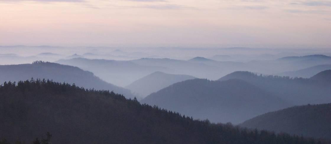La Meseta des Milles Etangs está situada en el Parque natural regional des Ballons des Vosges.