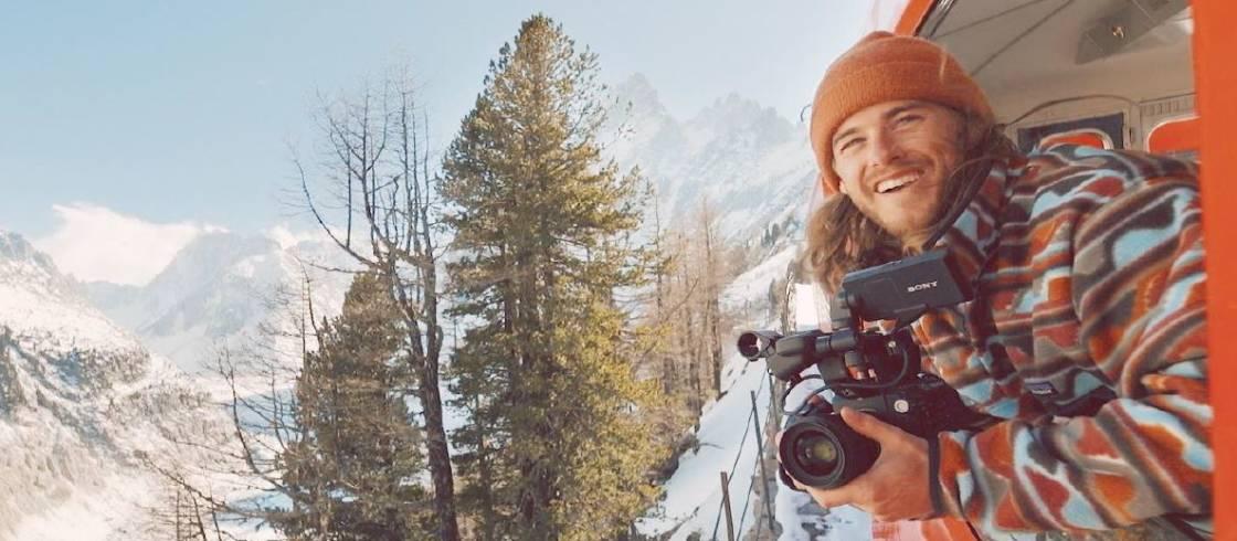 Matt Charland, le snowboardeur instagramer canadien, en Savoie.