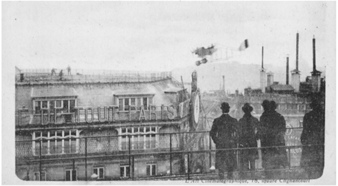 Jules Védrines' plane landing on the Galeries Lafayette rooftop in 1919
