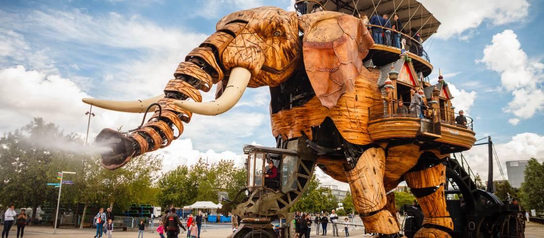 El gran elefante de la Isla de las Máquinas-Ciudad de Nantes en Francia