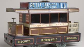 Tram-shaped cookie box, around 1898, Jules-Joseph Carnaud