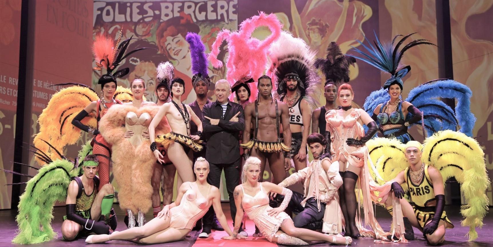 Show Su Sobre Fashion Y En Habla Moda Jean Paul Freak Parí Gaultier La RL35q4Aj